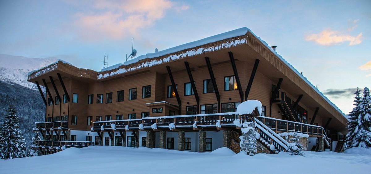 Cariboos Lodge - Heli Skiing in Canada | Pure Powder PurePowder