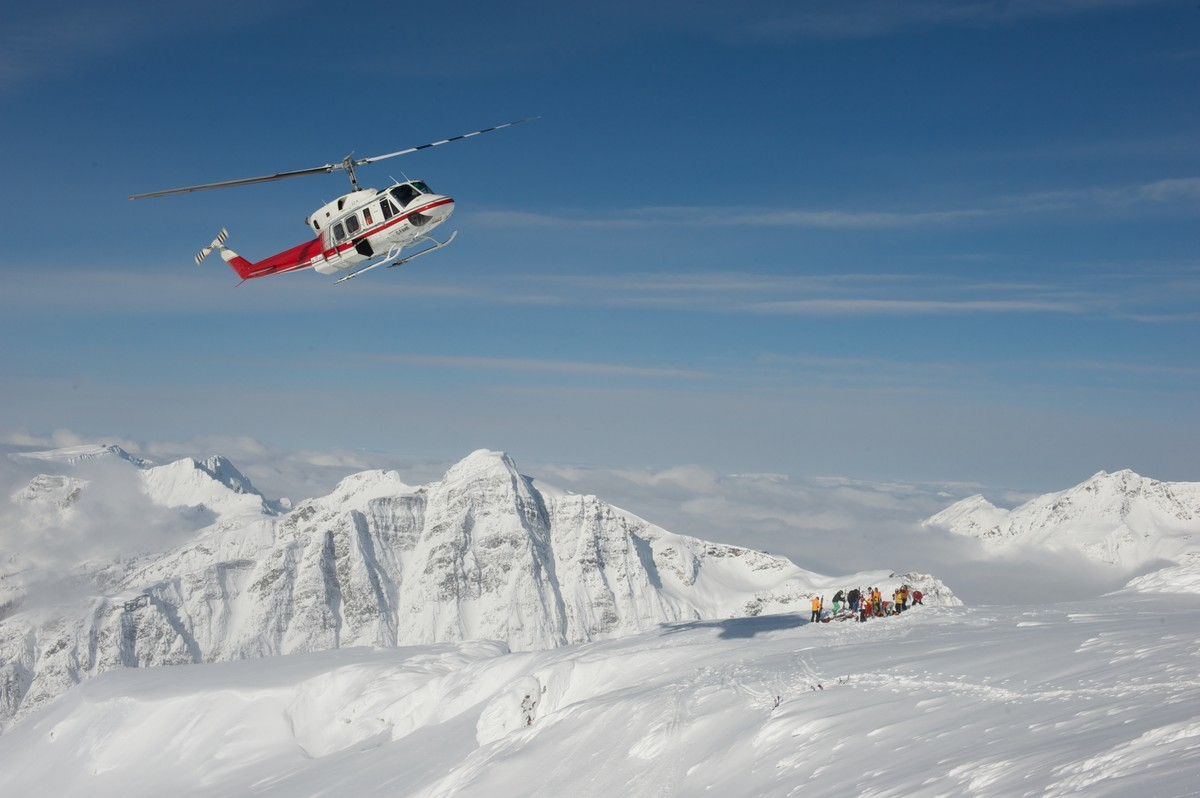 Classic Heli Skiing in Revelstoke with CMH in Canada ...