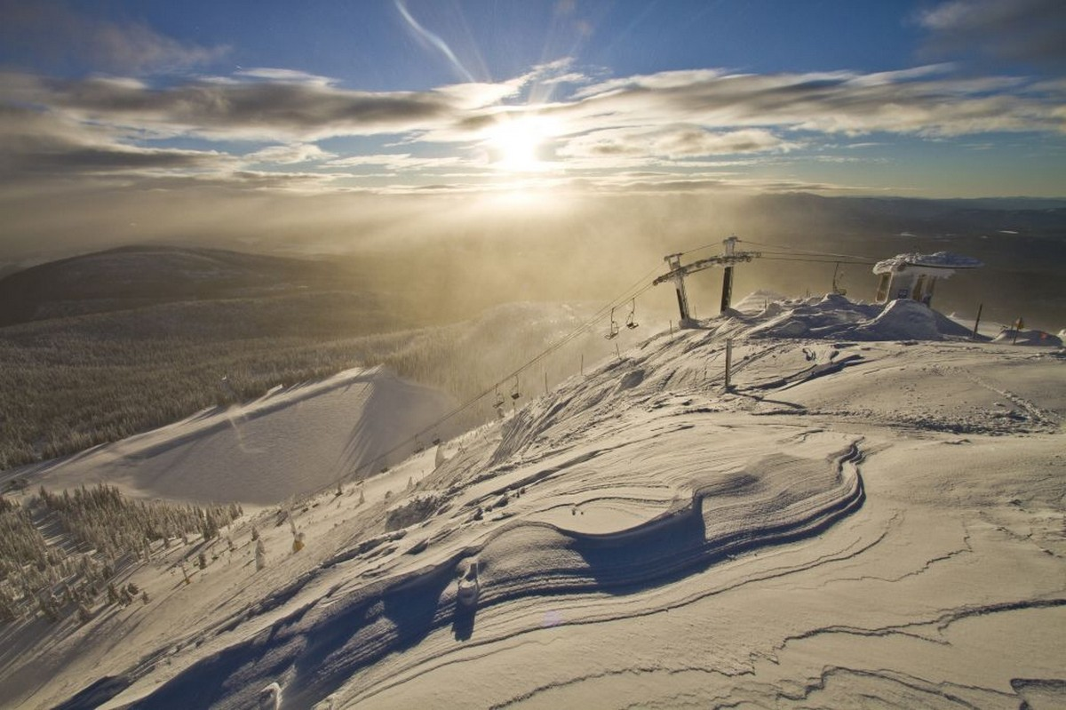 big-white-resort-lifts
